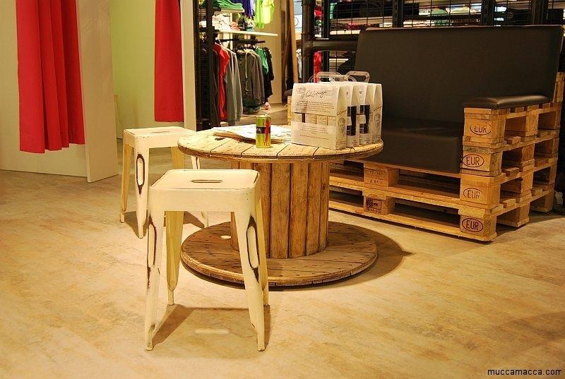 Couchtisch Holz Ausgefallen ~   Tisch – ein runder Couchtisch aus Holz ausgefallen und exklusiv