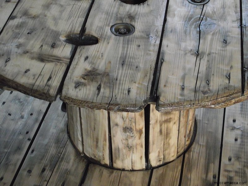 Kabeltrommel Tisch  runder Couchtisch aus Holz