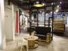 Kabeltrommeltisch aus Holz als Ladeneinrichtung und Ladenausstattung